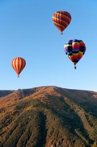 Montgolfières - Heissluftballons über den Bergen der Ardèche